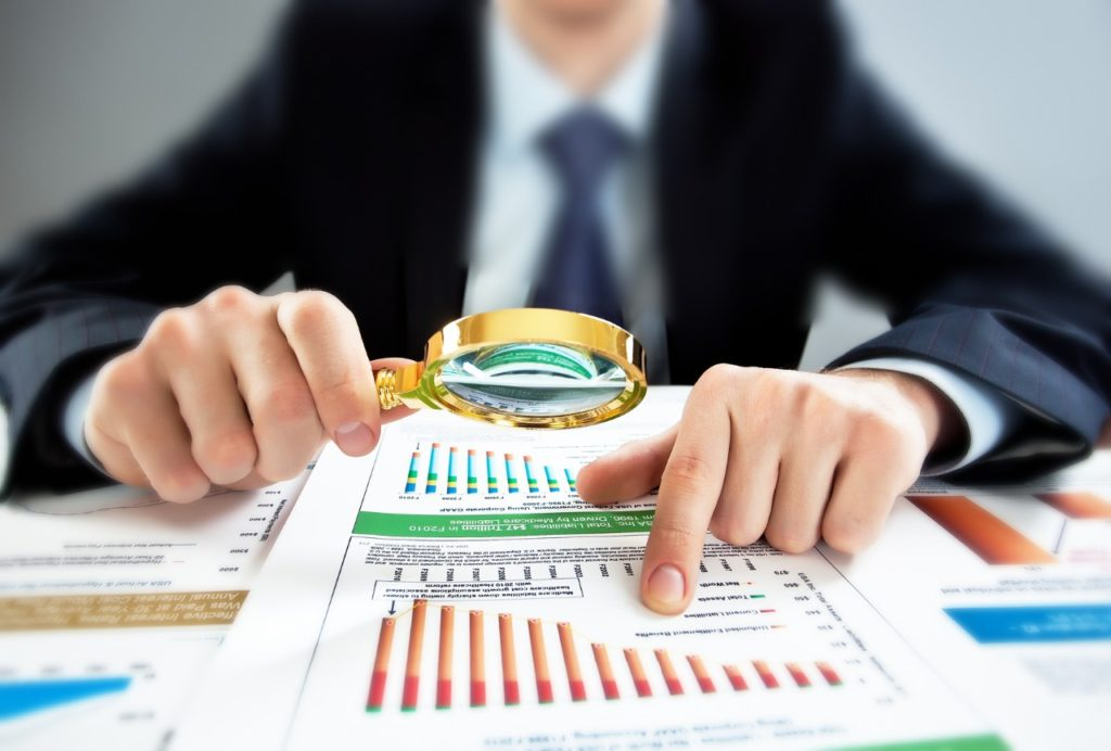 За 8 месяцев 2016 года объем выданных кредитов малому и среднему бизнесу сократился на 11% до 5,3 трлн руб. на фоне роста кредитования физлиц (+28%) и крупного бизнеса (+3%)